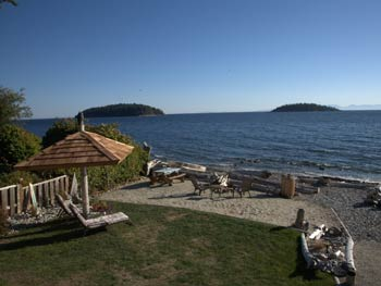 Absolute Heaven Oceanfront Bed & Breakfast Private Beach in Sechelt, BC